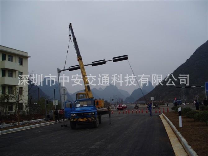 广西南宁交通信号灯安装案例