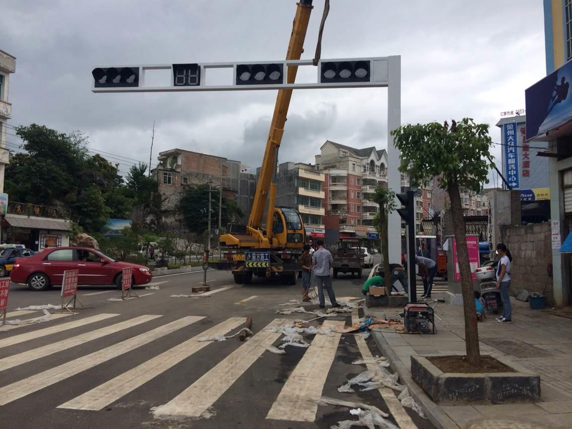 一体式交通信号灯,框架式交通信号灯工程
